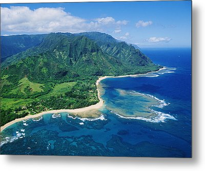Kauai, Tunnels Beach Metal Print by Greg Vaughn - Printscapes