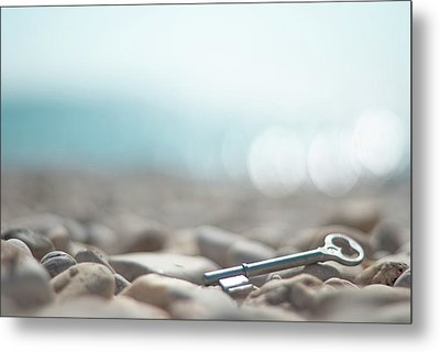 Key On Pebbles Metal Print by Alexandre Fundone