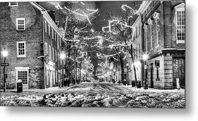 King Street In Black And White Metal Print by JC Findley