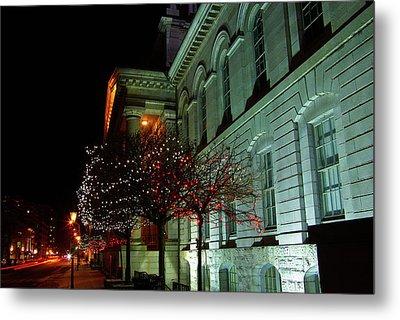 Kingston City Hall In Lights Metal Print by Paul Wash