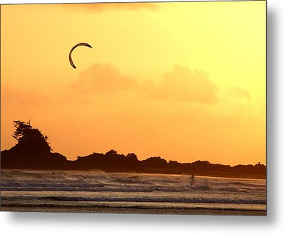 Kitesurfing The Sunset Metal Print