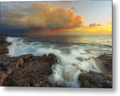 Metal Print featuring the photograph Kona Rush Hour by Ryan Manuel