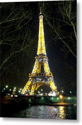 La Tour Eiffel En Nuit Metal Print