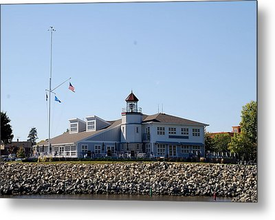 Lake City Lighthouse Metal Print by Larry Nielson