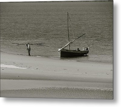 Lamu Island - Wooden Fishing Dhow Getting Unloaded - Black And White Metal Print by Exploramum Exploramum