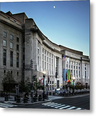 Metal Print featuring the photograph Late Evening At The Ronald Reagan Building by Greg Mimbs