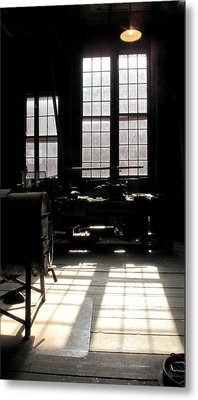 Lathe Metal Print by Larry Darnell