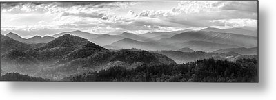 Layers In The Smokies Metal Print by Jon Glaser
