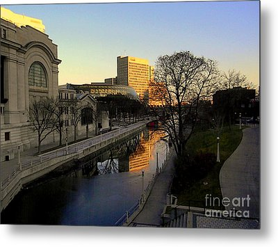 Metal Print featuring the photograph Le Rideau, by Elfriede Fulda