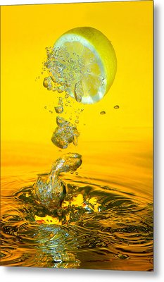 Lemon And Bubbles Metal Print