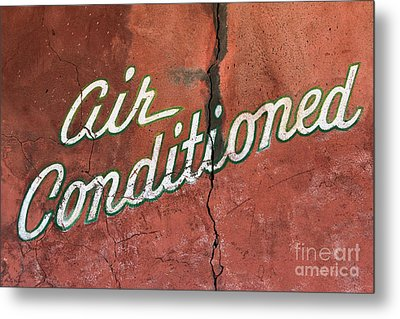 Let The Cool Air In Metal Print by Phyllis Webster