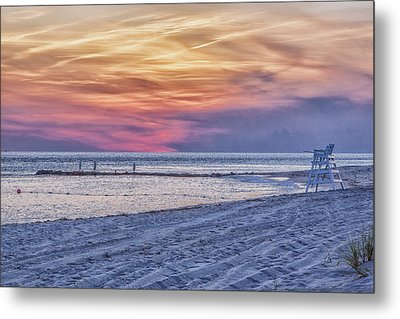 Lifeguard Chair At Sunset Metal Print