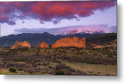 Metal Print featuring the photograph Light Of The Sun by Tim Reaves