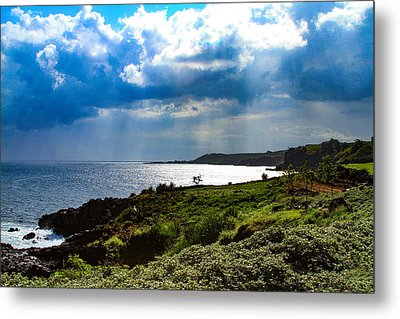 Light Streams On Kauai Metal Print
