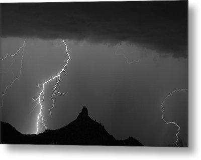 Lightning Storm At Pinnacle Peak Scottsdale Az Bw Metal Print