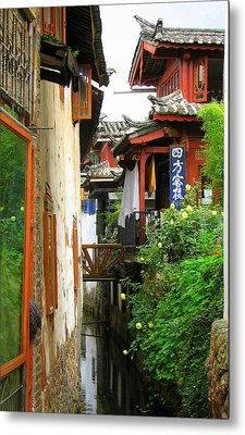 Lijiang Back Canal Metal Print by Carla Parris