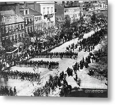 Lincolns Funeral Procession, 1865 Metal Print by Photo Researchers, Inc.