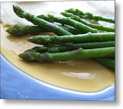 Metal Print featuring the photograph Lindie Bistro Asparagus Spears by Lindie Racz