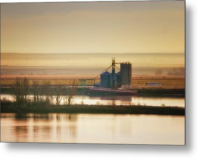 Metal Print featuring the photograph Loading Grain by Albert Seger