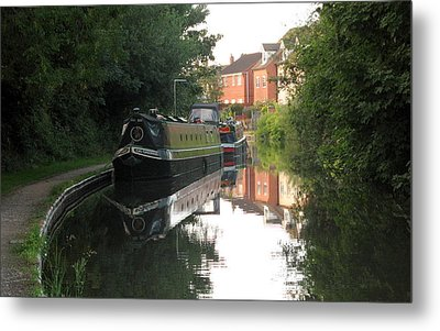 Long Boat On The Channel In England Metal Print by Joyce Woodhouse
