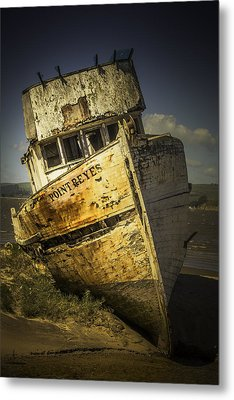 Long Forgotten Boat Metal Print by Garry Gay