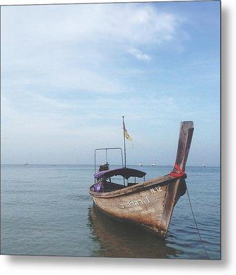 Long Tail Boat Stillness Metal Print by Ivy Ho