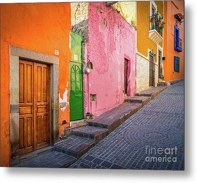 Los Colores De Guanajuato Metal Print by Inge Johnsson