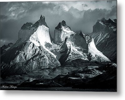 Metal Print featuring the photograph Los Cuernos In Black And White by Andrew Matwijec