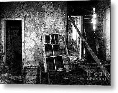 Lost In Time 11 Metal Print by Bob Christopher