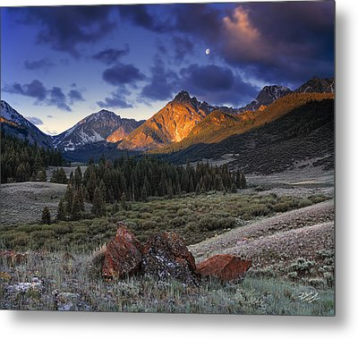Lost River Mountains Moon Metal Print by Leland D Howard