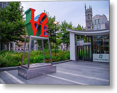 Metal Print featuring the photograph Love At Dilworth Plaza - Philadelphia by Bill Cannon