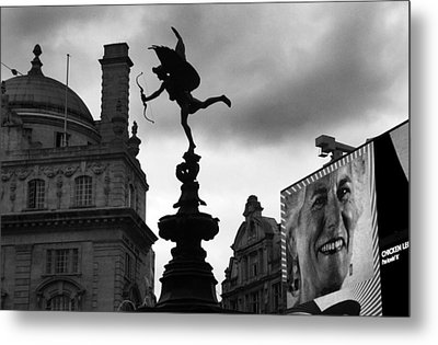 Love In The City Metal Print by Jez C Self