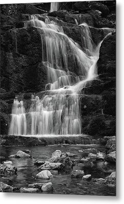 Lower Buttermilk Falls In Black And White Metal Print by Raymond Salani III