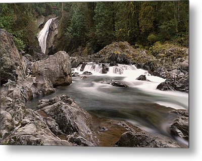 Metal Print featuring the photograph Lower Twin Falls by Jeff Swan