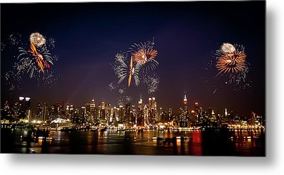 Macy's Fireworks Iv Metal Print by David Hahn
