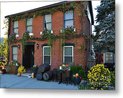 Madison Winery In Fall Metal Print by Amy Lucid