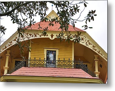 Magnolias And Millwork Metal Print by Jan Amiss Photography