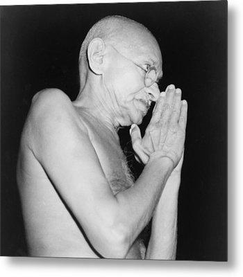 Mahatma Gandhi 1869-1948 In 1946 Metal Print by Everett