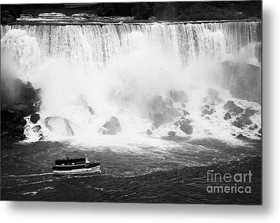 Maid Of The Mist Boat Below The American And Bridal Veil Falls Niagara Falls Ontario Canada Metal Print by Joe Fox
