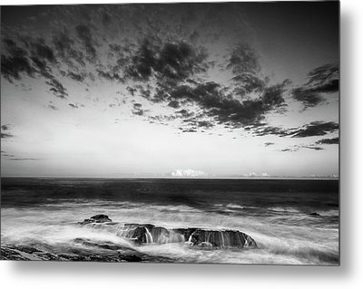Maine Rocky Coast With Boulders And Clouds At Two Lights Park Metal Print