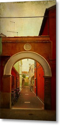 Metal Print featuring the photograph Malamocco Arch No1 by Anne Kotan