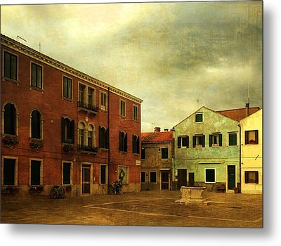 Metal Print featuring the photograph Malamocco Piazza No1 by Anne Kotan