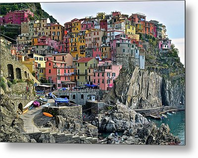 Metal Print featuring the photograph Manarola Cinque Terre Italy by Frozen in Time Fine Art Photography