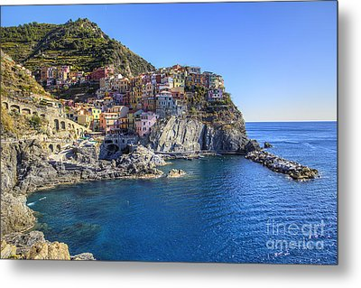 Metal Print featuring the photograph Manarola by Spencer Baugh