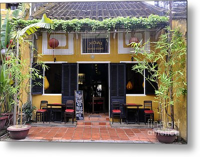 Mango Restaurant Metal Print by Andrew Dinh