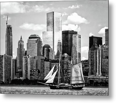 Manhattan Ny - Schooner Seen From Liberty State Park Black And White Metal Print by Susan Savad