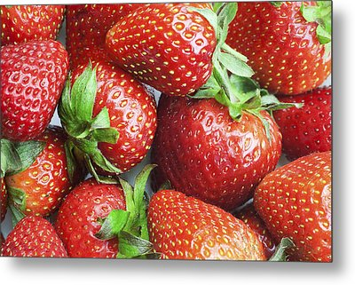 Metal Print featuring the photograph Marco View Of Strawberries by Paul Ge