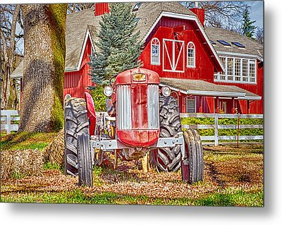 Masseytractor At Red Farm House Metal Print by William Havle