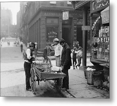 Men Eating Fresh Clams From A Pushcart Metal Print by Everett
