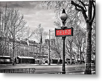 Metro Pont Marie Metal Print by Delphimages Photo Creations